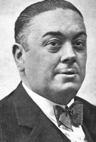 Diego Martínez Barrio (1883-1962) iniciado en 1908 en la logia sevillana Fe nº 261 y Gran Maestre del Gran Oriente Español en 1931. Diputado, Ministro y Presidente del Gobierno