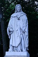Estatua de Montesquieu en el parque de Burdeos